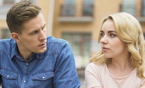 La jalousie et l'agressivité passive : l'usure silencieuse