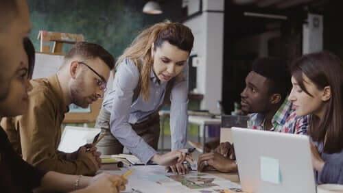 Comment un bon leader doit-il mener la gestion d'une équipe ?