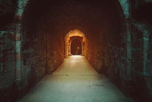 La grotte dans le mythe d'Orphée et d'Eurydice
