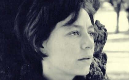 Alejandra Pizarnik, biographie de la dernière écrivaine maudite