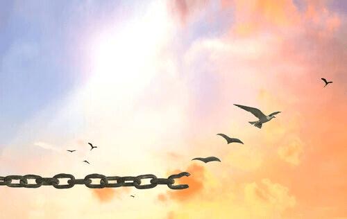 Une chaîne qui se brise représentant la liberté d'expression