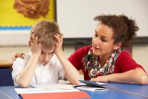 Un élève stressé par une évaluation