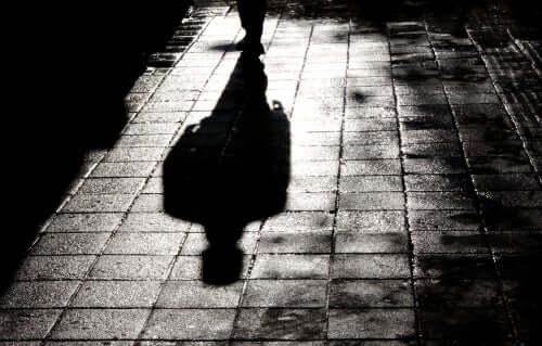L'ombre d'un homme dans le processus de radicalisation