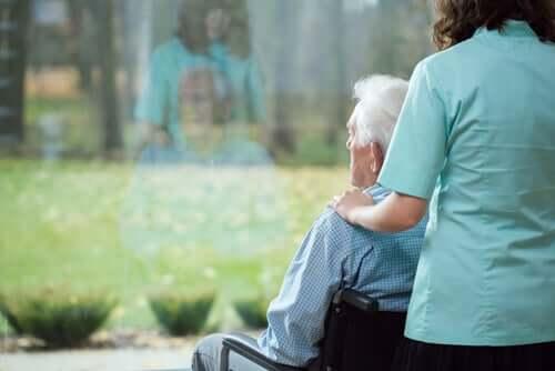 Une personne en chaise roulante souffrant de la maladie de Huntington