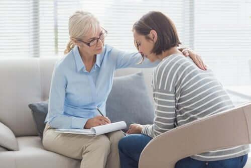 Une thérapeute en psychologie clinique