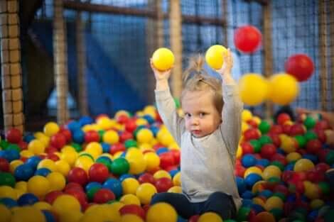 Le jeu favorise une bonne psychomotricité chez l'enfant.