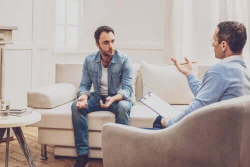 Un patient avec son psychologue