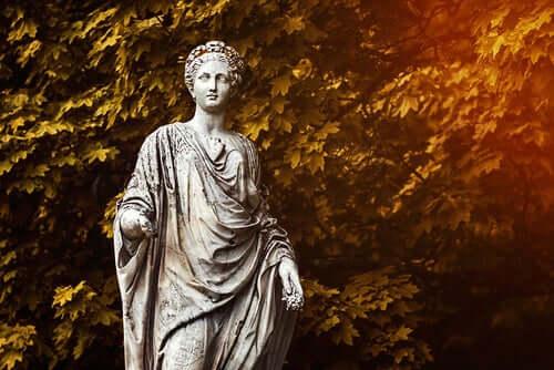 Une statue de Déméter