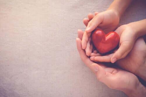 Nous espérons que vous allez bien et vous offrons ce coeur
