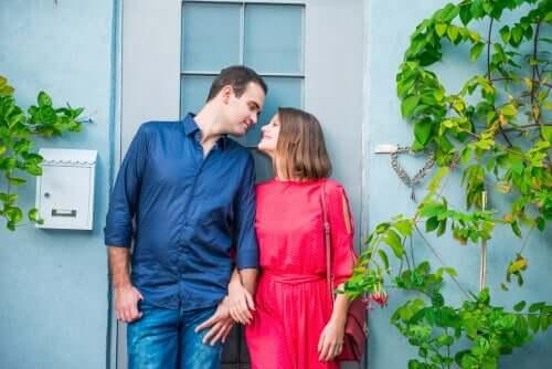 Les Couples Non Cohabitants : vivre ensemble, mais séparés