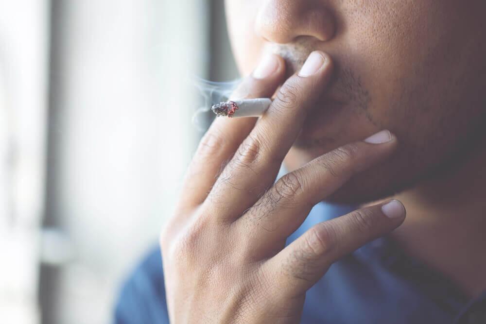Fumer augmente le risque de complications en cas d'infection par le coronavirus