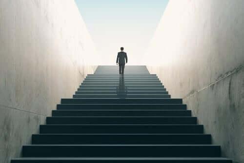 Des escaliers représentant le développement humain
