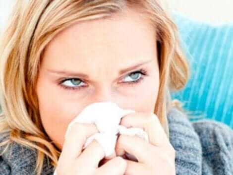 Une femme touchée par un virus