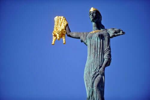 Une statue de Médée