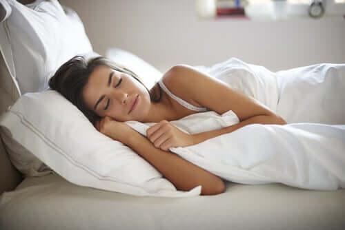 Le bruit blanc peut-il nous aider à mieux dormir ?