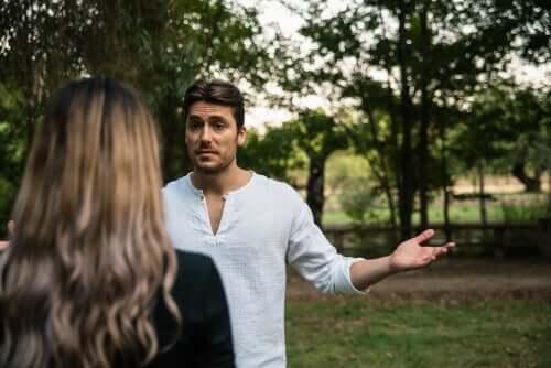 Trouver des excuses au beau milieu d'une dispute de couple