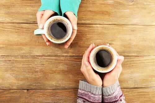 Le café fait partie des boissons stimulantes
