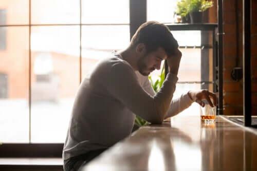 L'auto-illusion chez un homme alcoolique