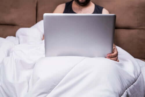 Comment la pornographie affecte-t-elle la relation de couple ?