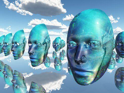 Des masques dans le ciel