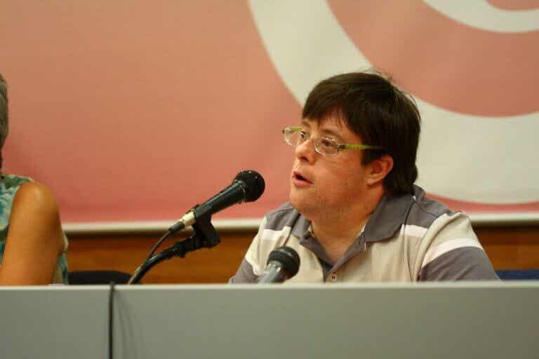 Pablo Pineda est le premier diplômé universitaire atteint de trisomie 21 en Europe