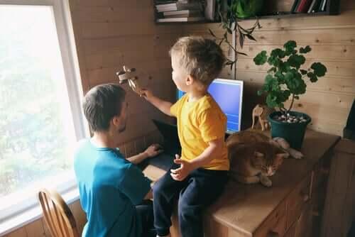 Le télétravail avec des enfants peut parfois être difficile