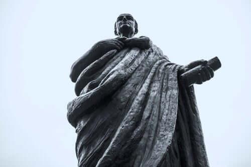 Une statue de Sénèque, un des philosophes les plus influents en psychologie