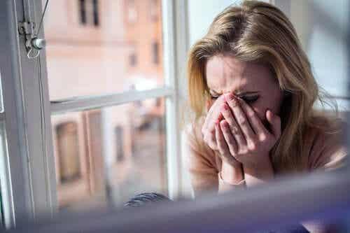 Deuil et coronavirus : la douleur des adieux en attente