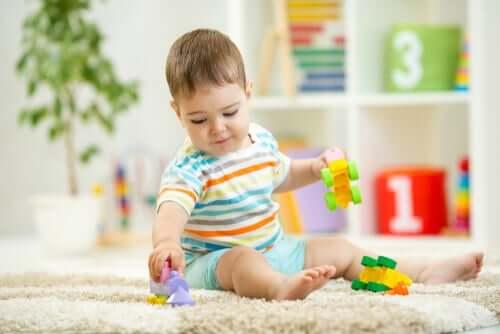 Les bébés se retrouvent souvent à apprendre de l'inattendu