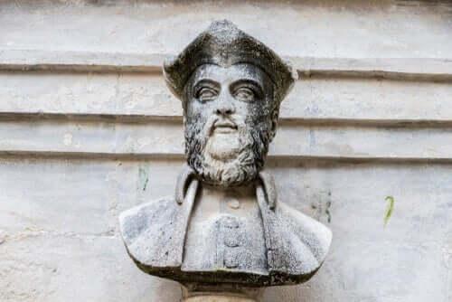 Un buste de Nostradamus