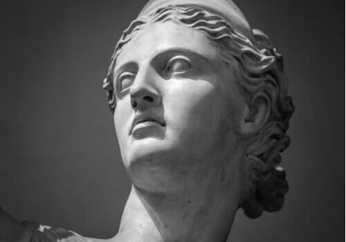 Une statue d'Artémis