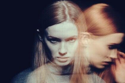 L'agression impulsive chez une femme