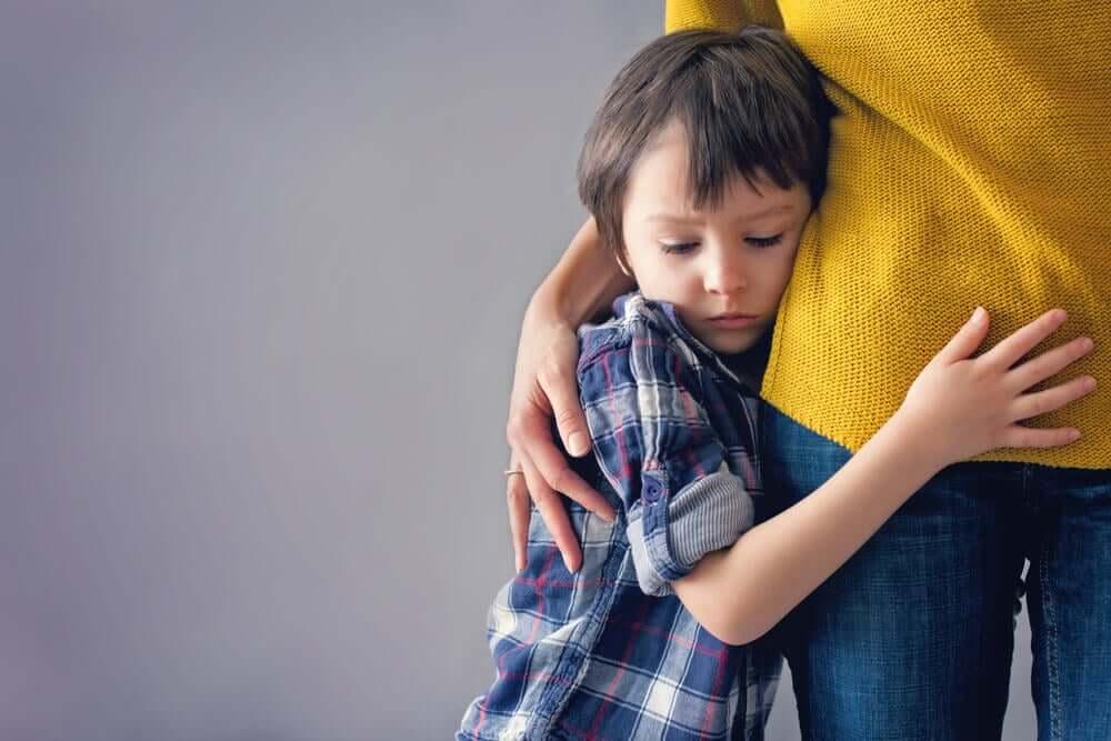 L'hyper-parentalité et ses effets néfastes sur l'enfant.