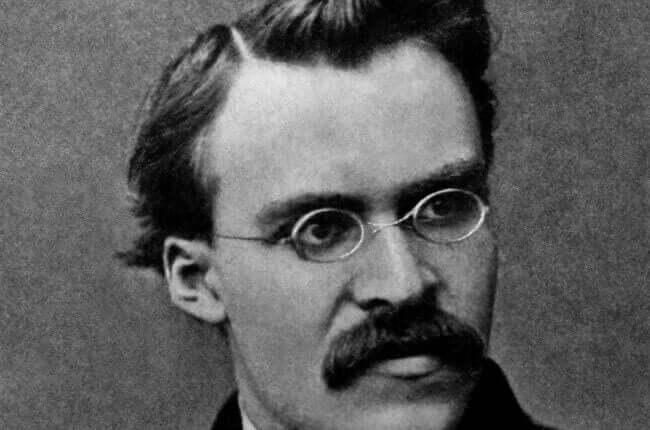 Un portrait de Friedrich Nietzsche.