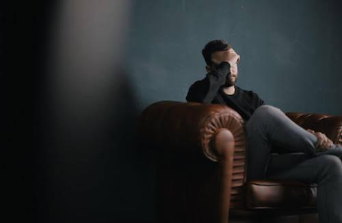 Le modèle de Fester et la dépression