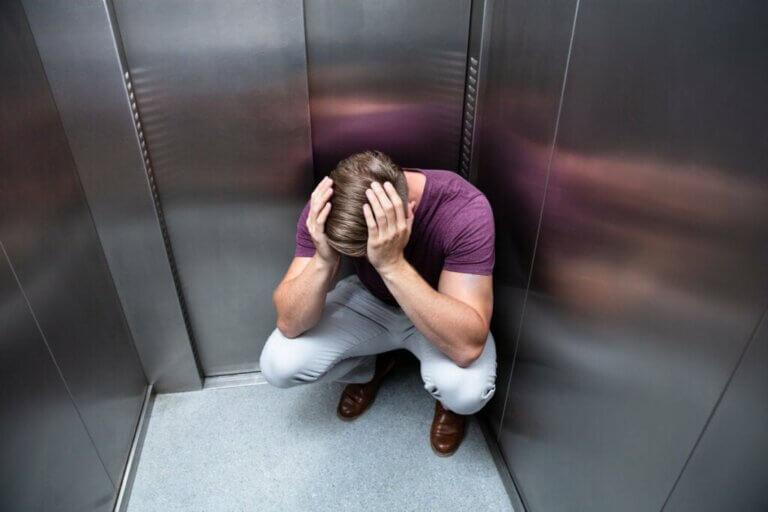 Tout ce qu'il faut savoir sur la phobie des ascenseurs
