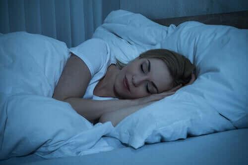 La lumière bleue ne favorise pas un bon sommeil.