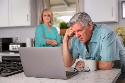 Le chômage de longue durée a des impacts psychologiques chez les seniors.