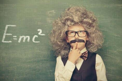 Einstein, une personne intelligente.