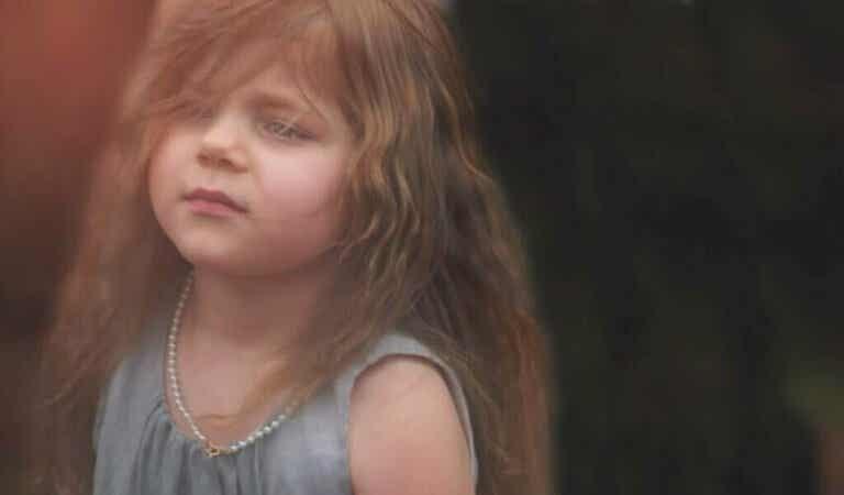 Troubles d'intériorisation : l'origine de la souffrance infantile