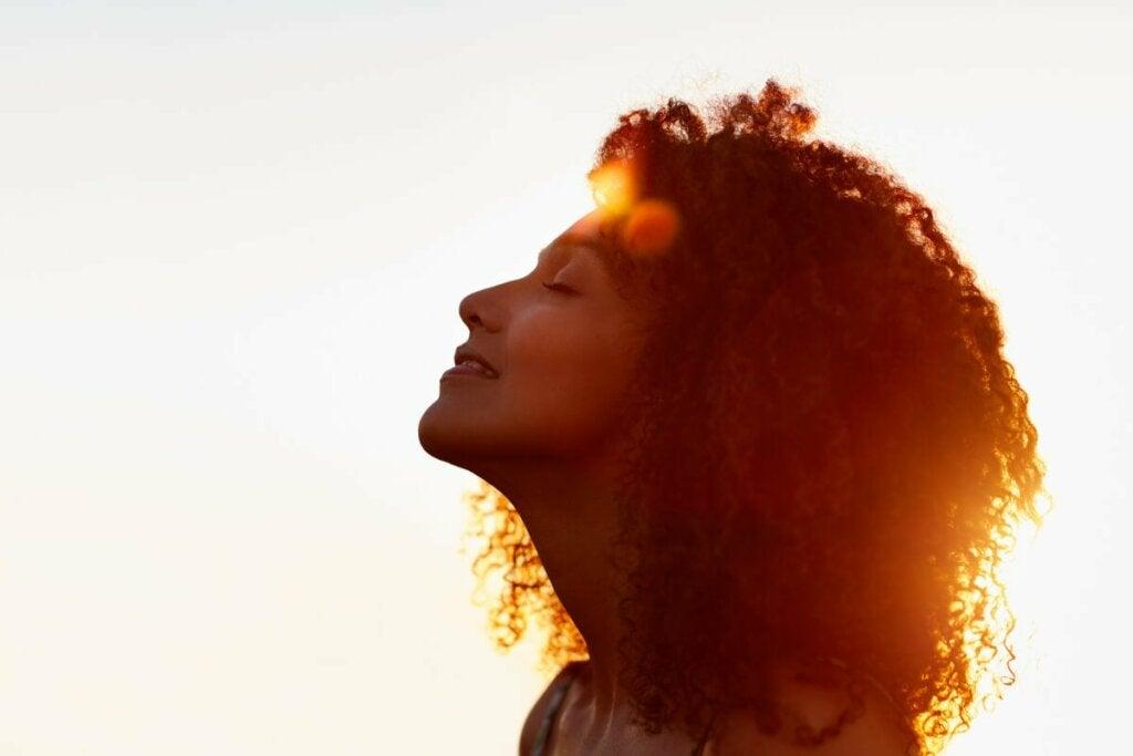 Le stress et la peau entretiennent un lien étroit.