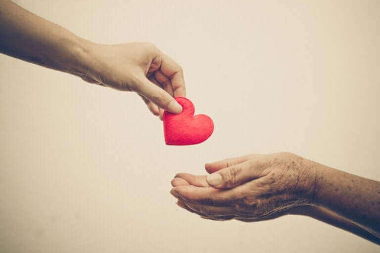 Aidons-nous par empathie ou anxiété ?