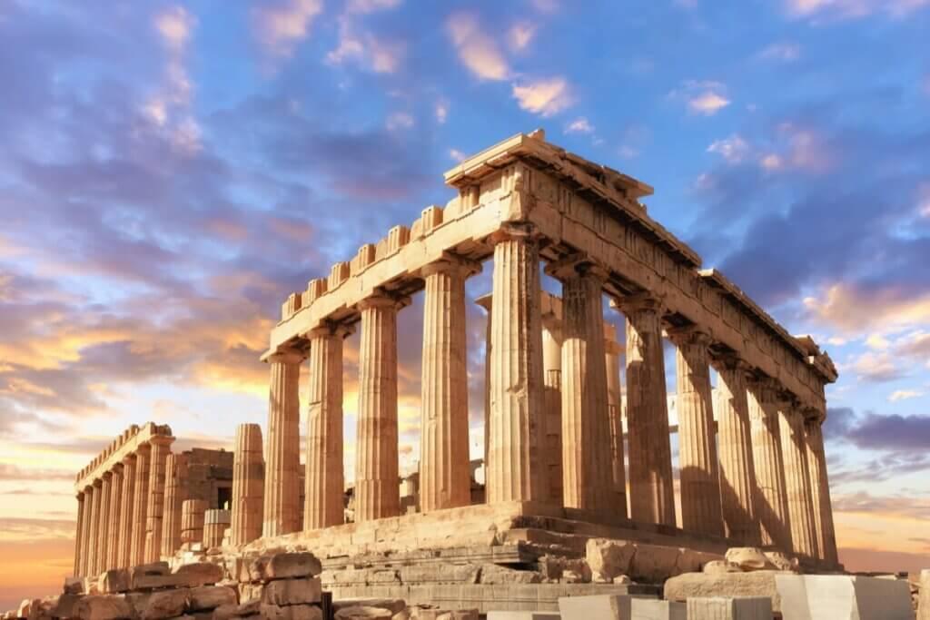 Apollon était un dieu grec important.