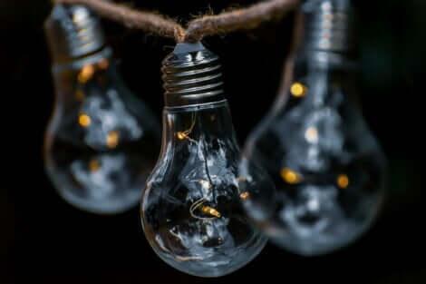 Des ampoules.
