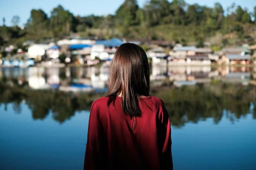 Une femme en milieu rural.
