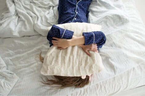 Une femme qui veut rester au lit ?