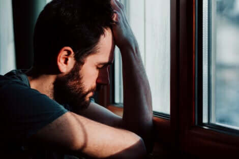 Un homme anxieux.