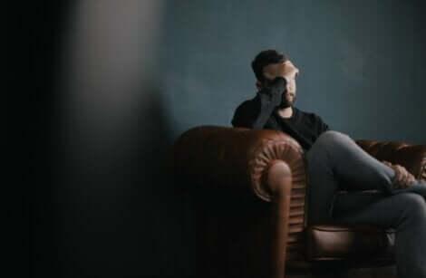 Un homme qui consulte pour une dépression.