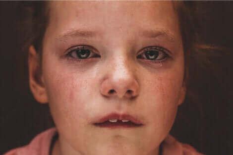 Un enfant qui pleure.