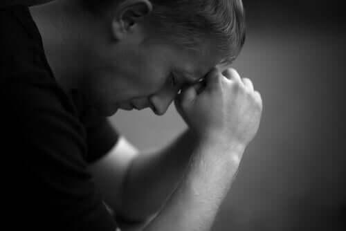 Un homme déprimé.